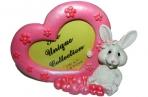 """Фоторамка-полистоун UW106-09173A 20, 5см """"Кролик с большим сердцем"""", 2 асс /1 /0 оптом"""